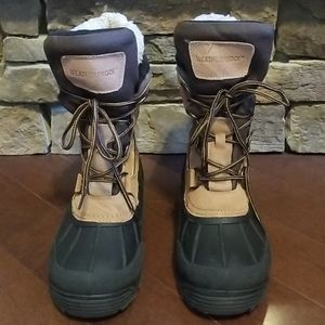 Boots by WEATHERPROOF.  Size 9